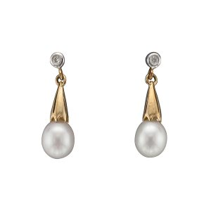 Diamonds Freshwater Pearl Studs D067